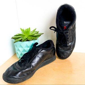 REEBOK Classics - Black Leather size 7.5
